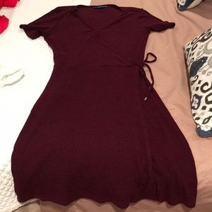 Women's apt 9 ribbed, tie dress size 6 Burgundy